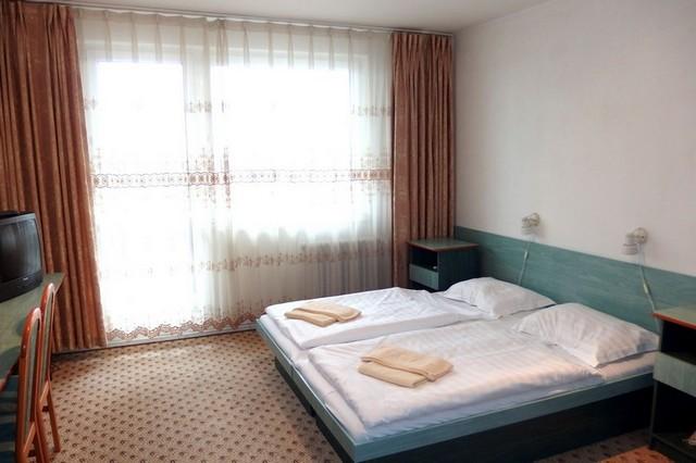 2 lôžková izba s manželskou posteľou